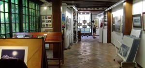 gallery, paintings, art, walls, paper, shelves, light
